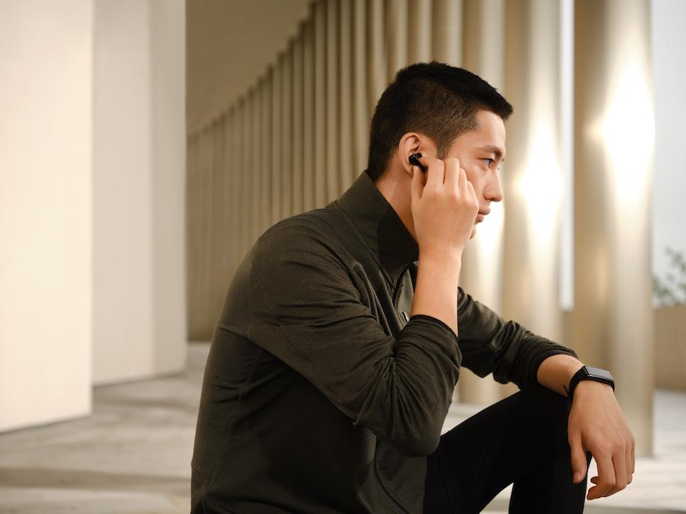 Los audífonos inalámbricos Free Buds de Huawei son una de las novedades para este Día del Padre 2021.