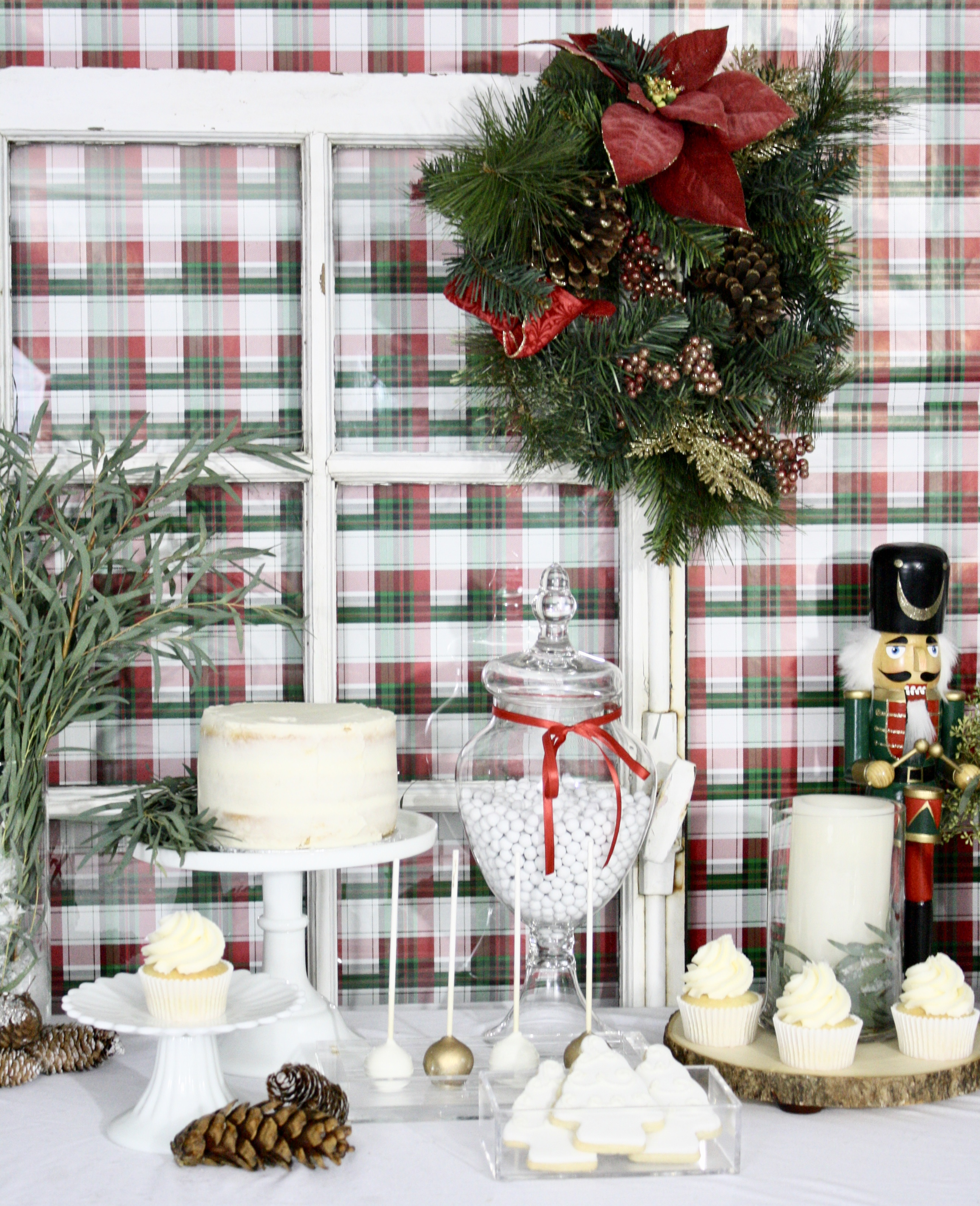 Easiest Christmas Dessert Table Set Up