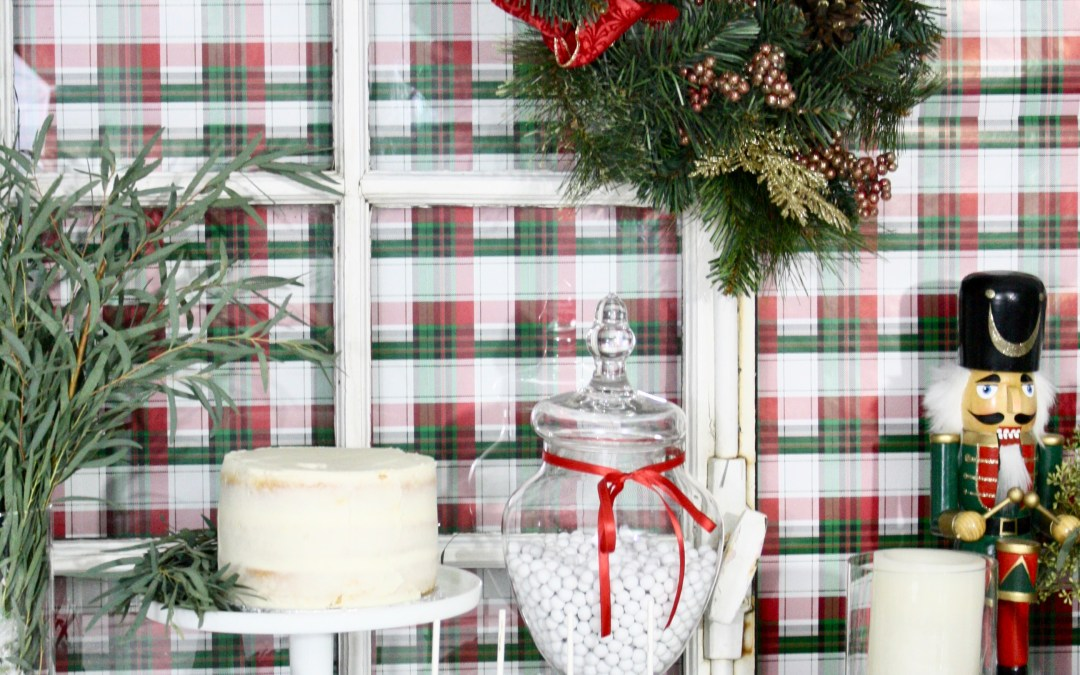 [:en]Easiest Christmas Dessert Table Set Up[:]