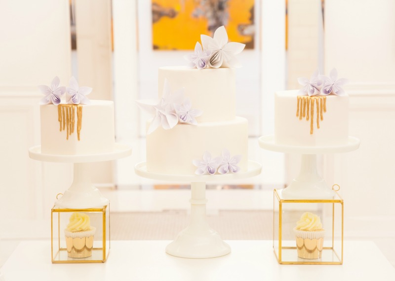 gold and white sweet table, montreal sweet table