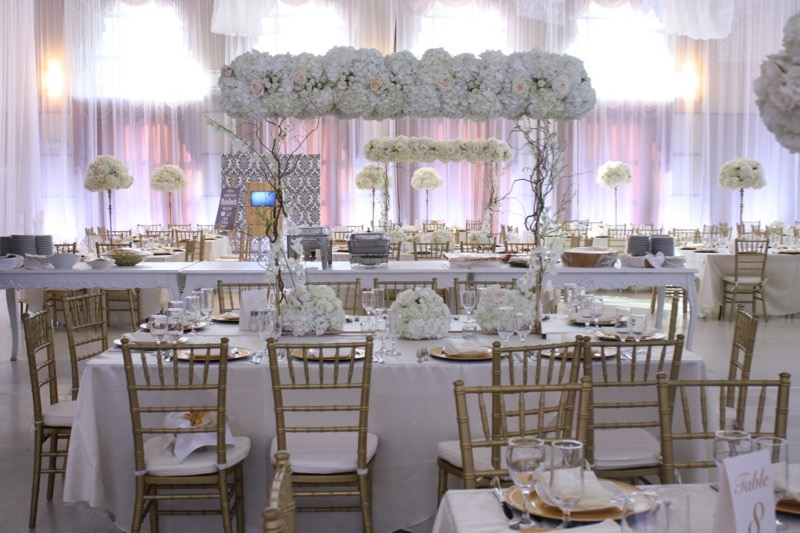 white gold wedding sweet table, montreal, cakes