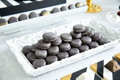 Corporate black and white sweet table 03