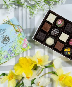 A small seasonal assortment with a daffodil-flowers lid