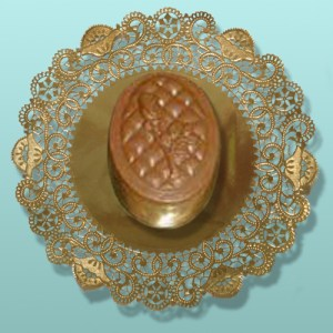 Edible Chocolate Small Oval Quilted Rose Box
