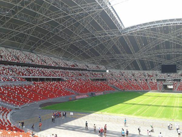 Rys. 7b Stadion Narodowy w Singapurze (Widok wnetrza) [B17]