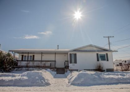 Spacious Bungalow in Martensville