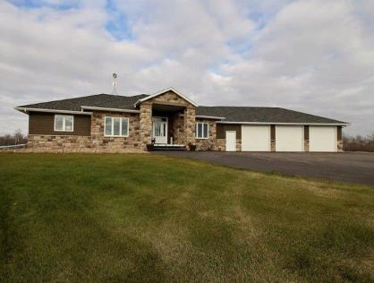 Gorgeous Home in Battleford Ridge Estates