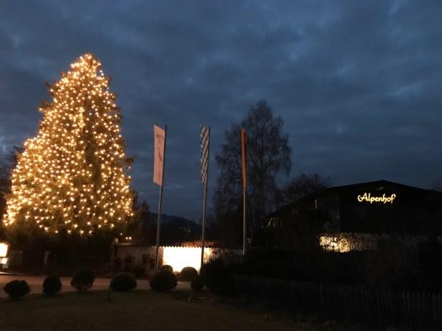 Alpenhof Murnau Weihnachtsbaum