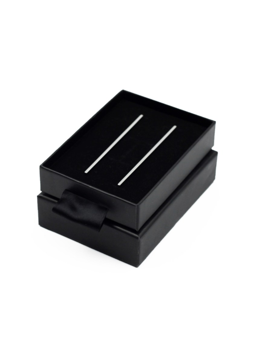 long-line-bar-earring-box