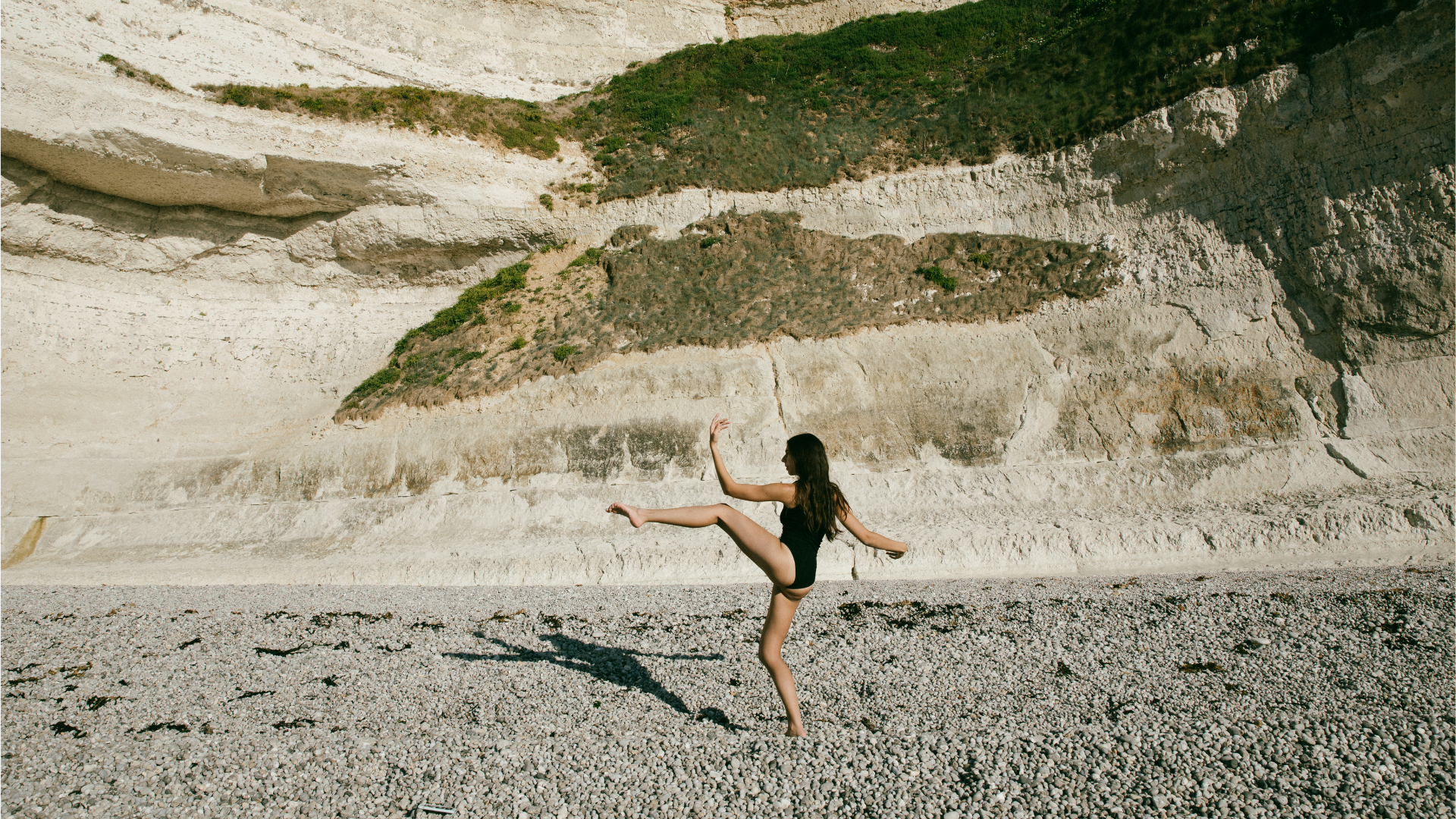body movement at the beach of etretat in france