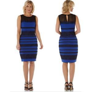 Vestido azul y negro o blanco y oro, por 18 euros