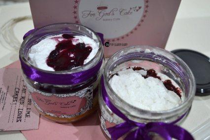 blueberry cheesecake and red velvet cake (6)