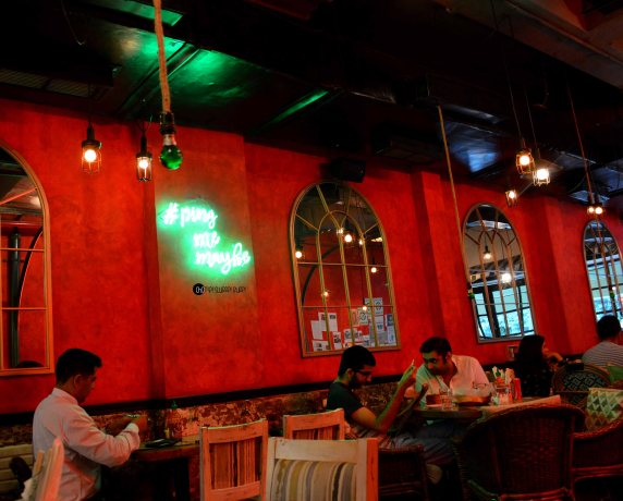 pings cafe orient