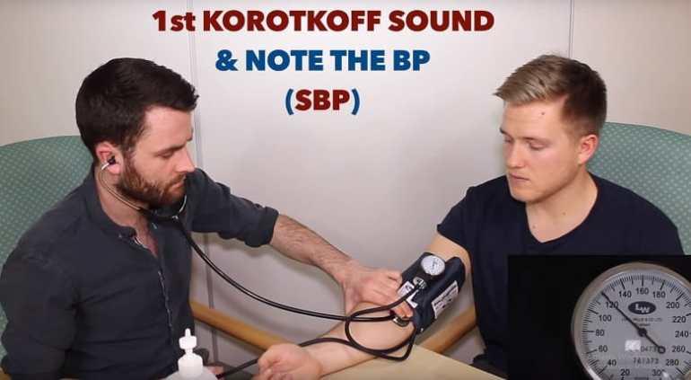 Đo huyết áp bước 3
