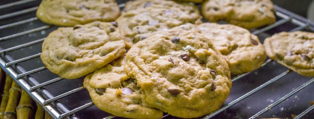 Gooey Chocolate Chip Cookies | 酥軟巧克力豆餅乾