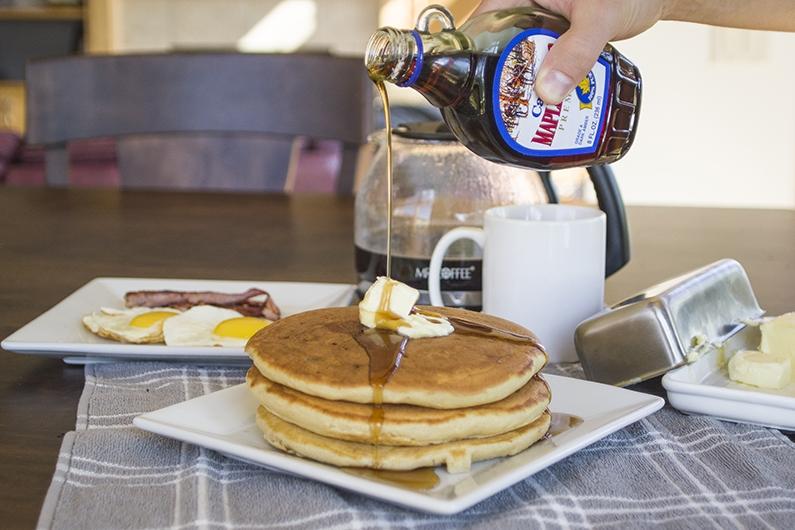 SERIOUSLY THE Best Buttermilk Pancake EVER | 有史以來最好吃的酪奶美式煎餅