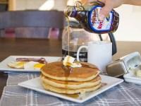 20170814.SERIOUSLY-THE-Best-Buttermilk-Pancake-EVER有史以來最好吃的酪奶美式煎餅Resized.jpg