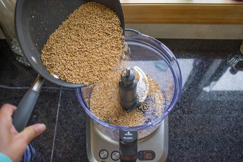 20170824.Toasted-White-Sesame-Paste-自製現磨麻醬Resize-4.jpg