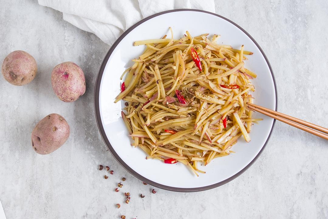 Crunchy Potato Stir-fry with Vinegar | 醋溜土豆絲