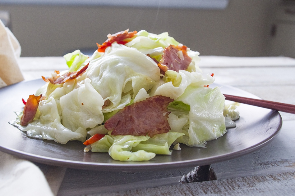 Cabbage Stir-fry with Ham (or Bacon) | 火腿炒高麗菜