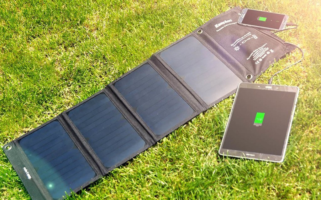 How does solar charger work