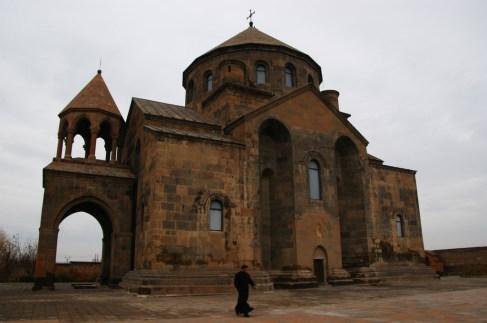 17. Katedra w Echmiadzinie - najstarsza katedra na świecie (IV wiek po Chr.)