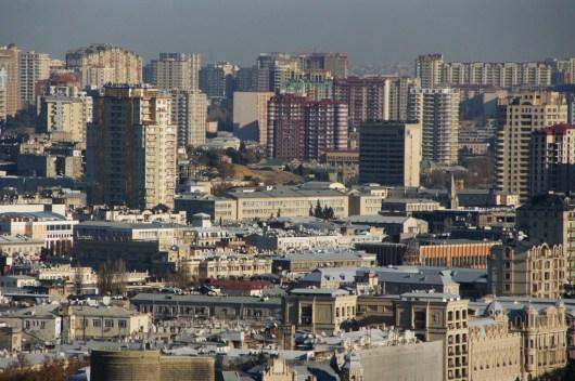 Panorama komunistycznych blokowisk w Baku (Azerbejdżan)
