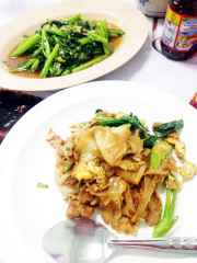 """Would you judge me if I ordered two meals?"" I asked my friends as we sat down at lunch. And then I ordered both pork pad see ew and fried morning glory. With a limited time, sometimes you have to double up."