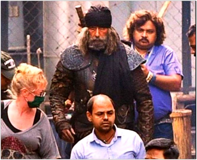 Amitabh Bachchan's Look Leaked From Thugs Of Hindustan