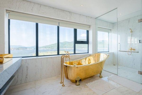 Danang Golden Bay Bathroom