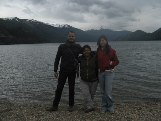 Paulo, yo y Viridiana en lago Gutierrez en Bariloche.