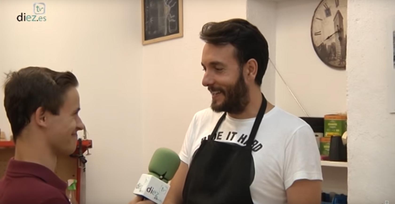 """Entrevista DIEZ TV """"La Sombrilla"""""""