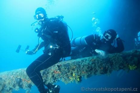 Posezení na Jarbolu (stěžni) potápění v Chorvatsku