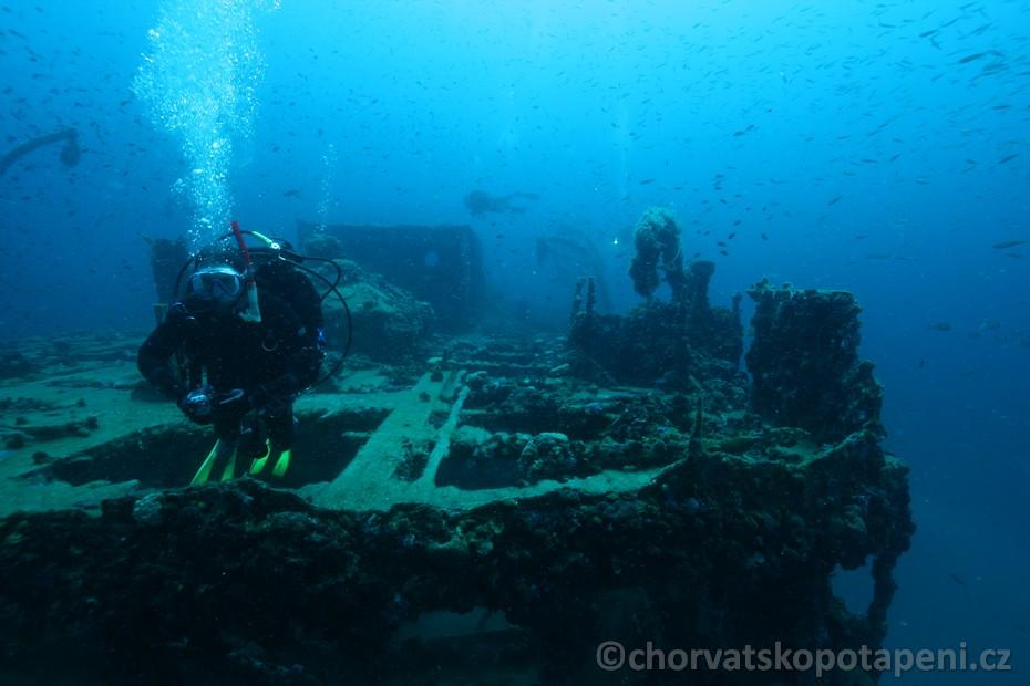 Nad vrakem B.Gautsch, potápění v Chorvatsku