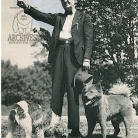1937 FREDERICKSBURG DOG MART