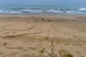 鳥取砂丘 距鳥取空港僅十來分鐘車程 飆沙體驗 Tottori  Sakyu Sand Dunes 滑沙費用 Sandboarding skateboard for sand dunes