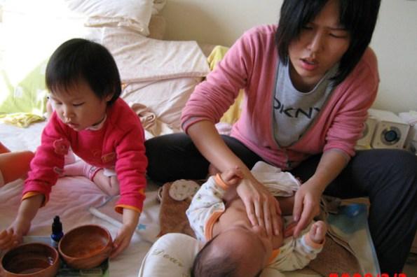 (Choyce育兒經) 嬰幼兒按摩對子鈞帶來的好處