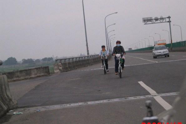 四姨五姨騎腳踏車環島!