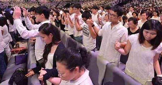 Eglise baptiste de Singapour en blanc pour l'unité de la famille traditionelle