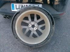 Conti-Reifen halten auch nichts aus. ;)