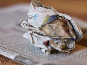 Tageszeitung als Luftentfeuchter