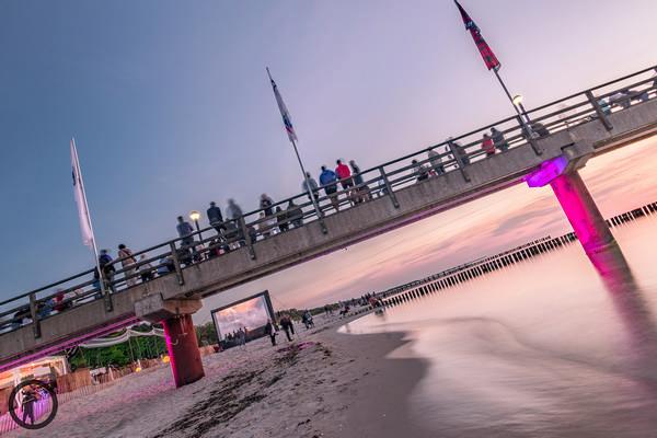 Strandfotos - Multivisionsshow an der Seebruecke in Zingst
