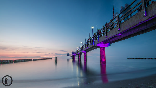 Beleuchtete Seebrücke Zingst während des Foto-Events horizonte zingst