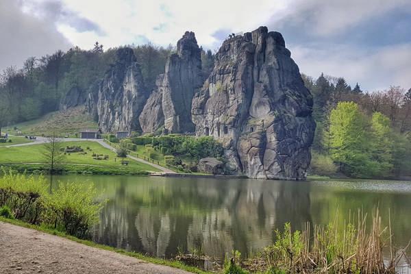 Externsteine mit Spiegelung bei Horn - Bad Meinberg