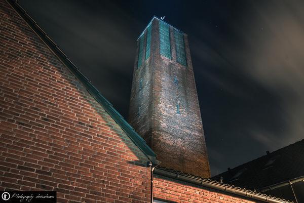 St. Joseph Lünen - Der Turm kippt nach hinten - Stürzende Linien