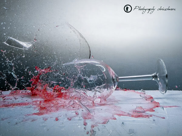 Das zerbrechende Weinglas