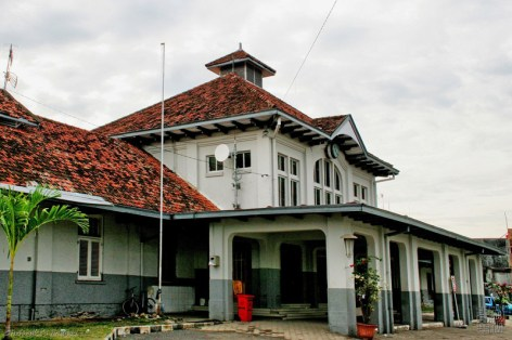 tegal's train station