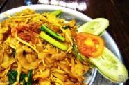 kuetiaw goreng (char kway teow)