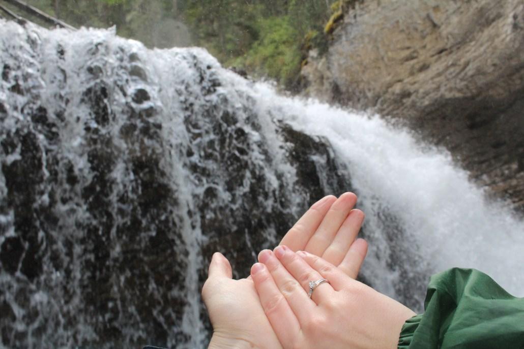 Verlobung im Johnston Canyon