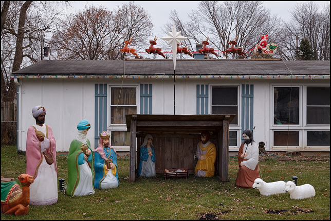 Claus Indiana Santa Home